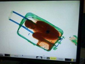 bambino-valigia-300x225