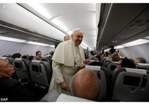 Papa in aereo