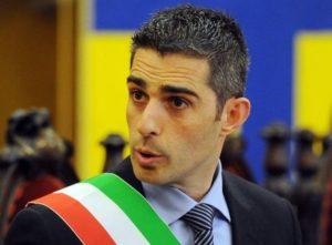 WCENTER 0XMGBESEOL Il sindaco di Parma Federico Pizzarotti in occasione del primo consiglio comunale, 14 giugno 2012. ANSA/DANIEL DAL ZENNARO