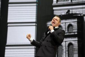 Tiziano Ferro durante il concerto al Pala Alpitour di Torino, 13 nocembre 2015. ANSA/UFFICIO STAMPA
