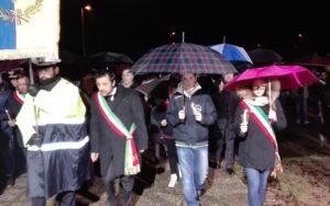 Un momento della fiaccolata in memoria di Giulio Regeni a Fiumicello (Udine), 7 febbraio 2016. ANSA/ FRANCESCO DE FILIPPO