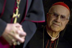 L'ex segretario di Stato Vaticano, Tarcisio Bertone in una foto del 6 febbraio 2013. ANSA/CLAUDIO PERI
