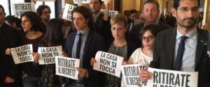 Protesta casa Camera