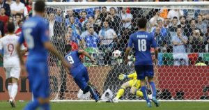 Italy's Graziano Pelle scores his side's second goal during the Euro 2016 round of 16 soccer match between Italy and Spain, at the Stade de France, in Saint-Denis, north of Paris, Monday, June 27, 2016. (AP Photo/Frank Augstein)