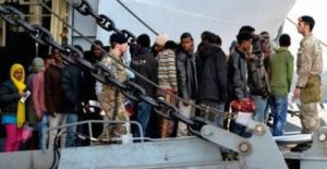 migranti a taranto