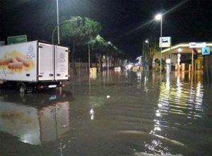 Maltempo a Cagliari (CREDIT: Foto di Matteo Tidili dalla pagina Facebook di Sardegna Clima Onlus) - DA ANSA CAGLIARI