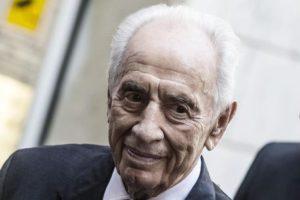L'ex presidente d'Israele Shimon Peres a Roma in una foto d'archivio del 4 settembre 2014. ANSA/ANGELO CARCONI