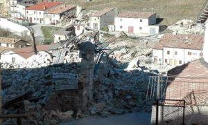 Una veduta della frazione di Castelluccio di Norcia il giorno dopo la forte scossa di terremoto che ha colpito l'Italia centrale, 31 ottobre 2016. ANSA/ MATTEO GUIDELLI