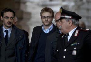 Alberto Stasi esce dal palazzo della Corte di Cassazione a Piazza Cavour, Roma, 17 aprile 2013, al termine dell'udienza per l'omicidio di Chiara Poggi. Stasi. ANSA/ MASSIMO PERCOSSI