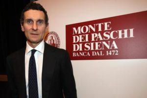 L'ad di Mps Marco Morelli durante la conferenza stampa che ha tenuto a Milano dopo l'incontro con gli analisti, 25 ottobre 2016.  ANSA/MATTEO BAZZI