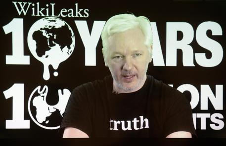 Assange a Obama, mi consegno agli Usa se grazi Manning