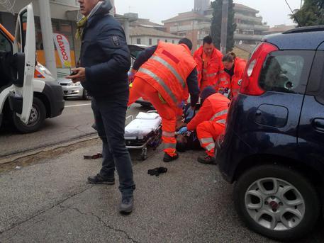 ++ Sparatorie a Macerata: colpi da auto nera, 2 persone ++