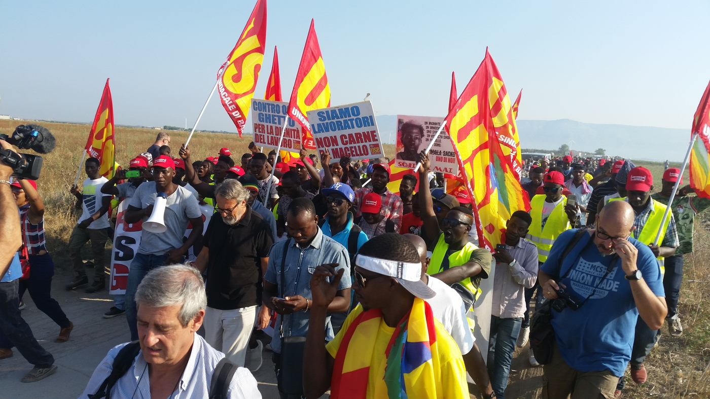 Manifestazione braccianti Puglia