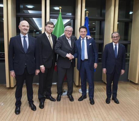 ++ Manovra: Conte-Juncker, non litighiamo, we are friends ++