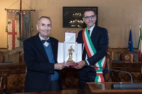 Franco Grillini premiato a Bologna col Nettuno d'Oro