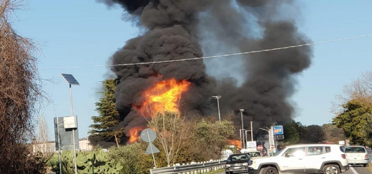esplosione_di gas benzinaio Salaria