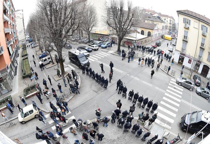 Centri sociali: sgomberato asilo di Torino occupato dal '95