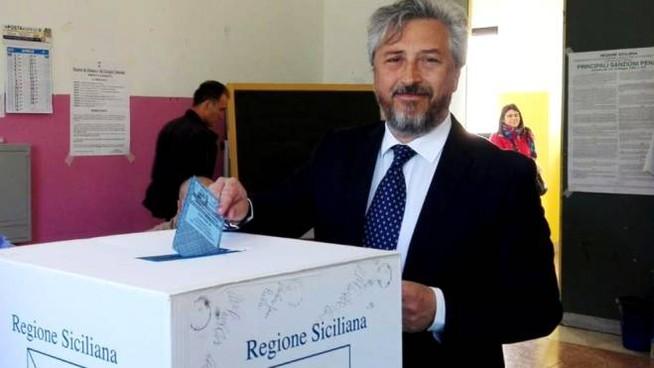 Gambino sindaco m5s Caltanissetta