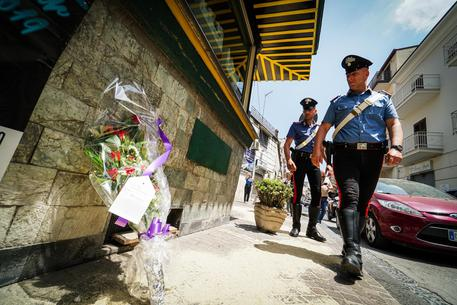 Troppi schiamazzi, 83enne uccide titolare chiosco