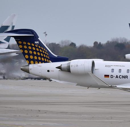 Lufthansa: sciopero personale cabina, cancellati 929 voli