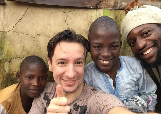 Attanasio e bambini africani