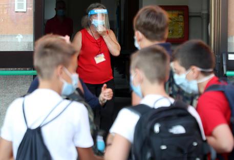 Cons. Stato conferma obbligo mascherine bimbi a scuola